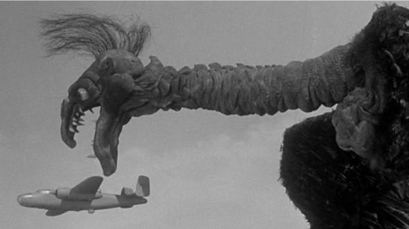 Zeca Urubu ataca aviões