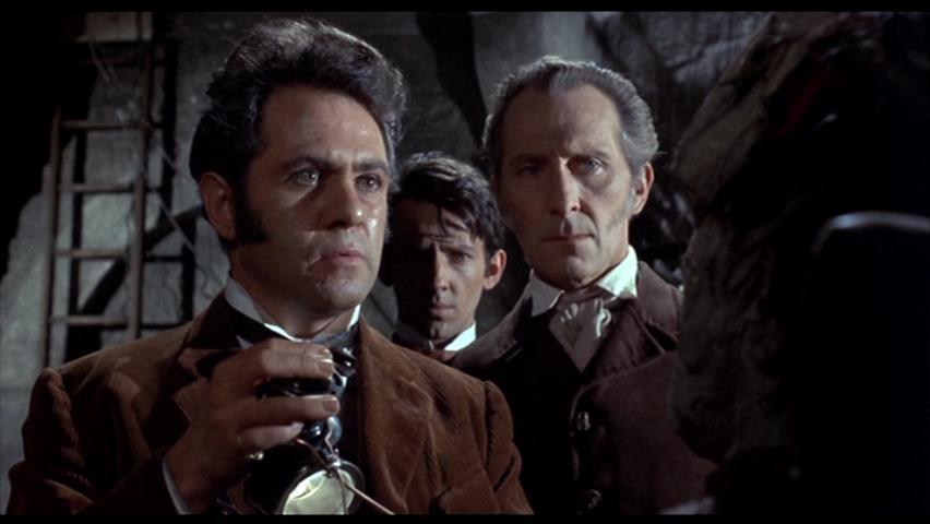 Dr. Frankenstein não desiste!