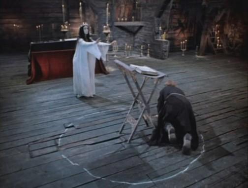 Vá de retro, bruxa!