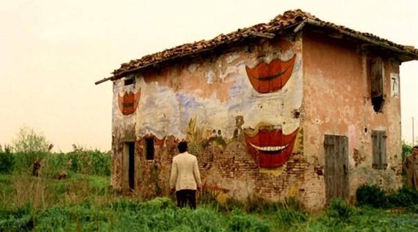 Era uma casa muito engraçada...