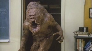 Sai do armário, monstro!